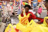 Shoprite verklaar oorlog op plastiek