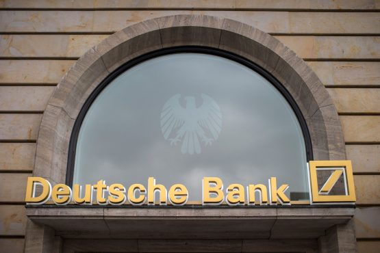 Merkel hopes temporary problems at Deutsche Bank can be solved