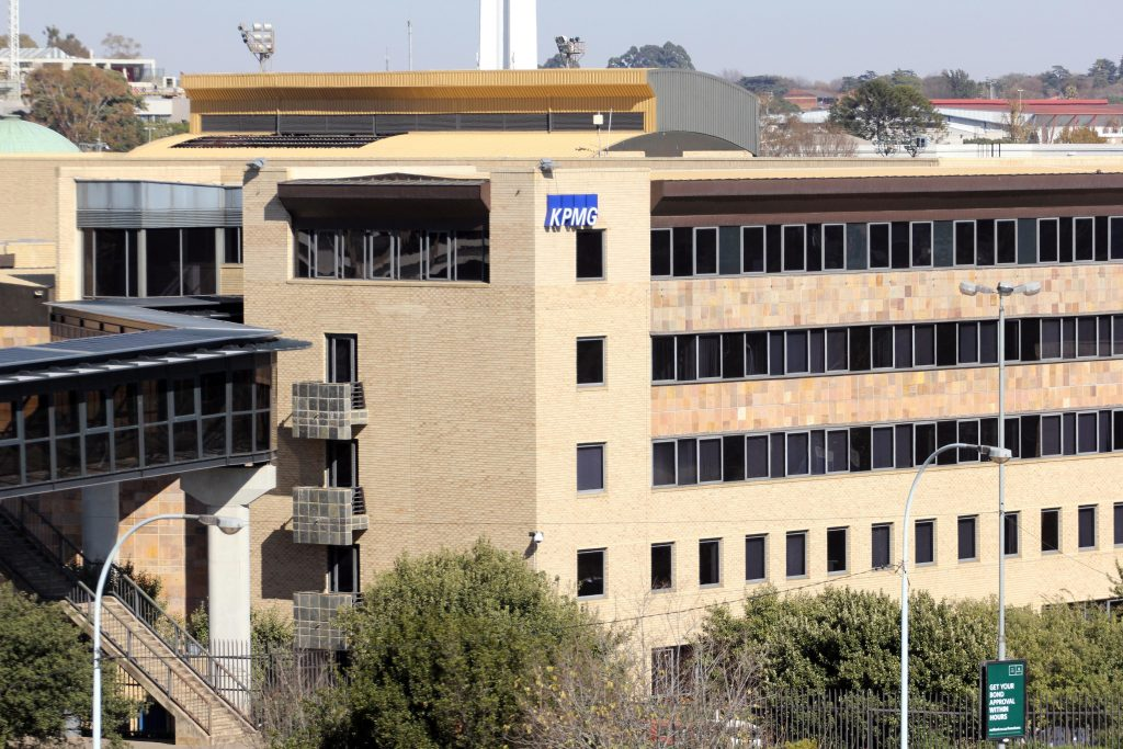 Hulisani drops KPMG due to reputational risk