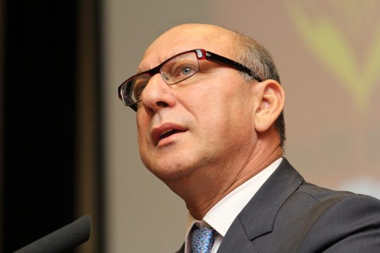 Former finance minister Trevor Manuel has been appointed as the chair of the panel who will recommend a suitable candidate for the top job at Sars. Picture: Moneyweb