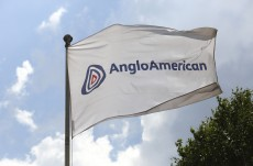 Anglo faces platinum test in possible spinoff