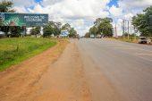 Heavy rains wash away Zimbabwe's roads, leaving crops stranded