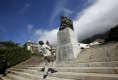 University of Cape Town to remove Rhodes statue