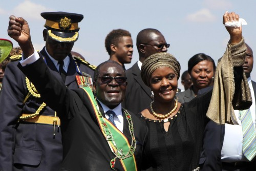 Zimbabwe President Robert Mugabe (L) and his wife Grace (R). Photo source: Reuters