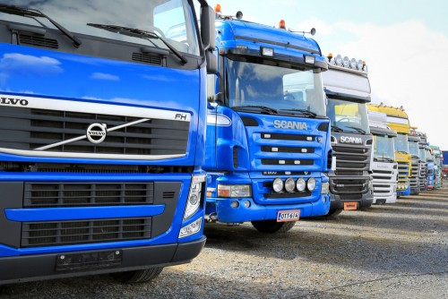 Truck manufacturers have found it challenging to design vehicles that can carry heavy loads for long distances and without costly downtime for charging. Picture: Shutterstock