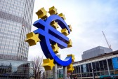 European shares brush off German government worries