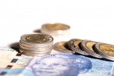 Rand largely flat