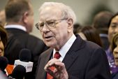 Buffett says $100 billion wasted trying to beat the market
