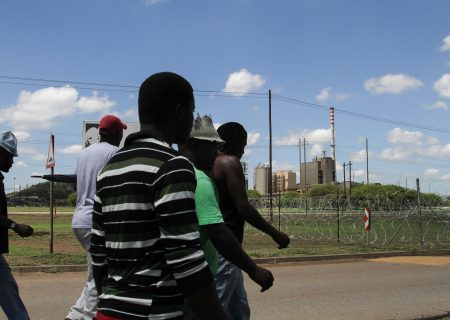 Num signs deal ending wage strike at Exxaro