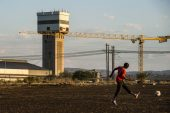 Lonmin said to breach social plan needed for mining licence
