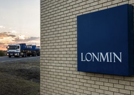 Shorts pile into cash-strapped Lonmin as platinum flounders