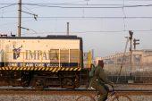 Impala loss narrows as it cuts 1 400 jobs at biggest mine