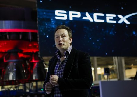 Musk takes down the Tesla and SpaceX Facebook pages