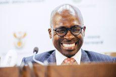 Rooiligte dat SA skuldgradering kort-voor-lank 'n 3de rommel-gradering gaan kry