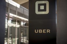 Uber steps up driverless-cars push with deal for 24 000 Volvos