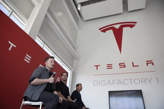 Tesla aiming to raise £1.2bn for mass market electric vehicle
