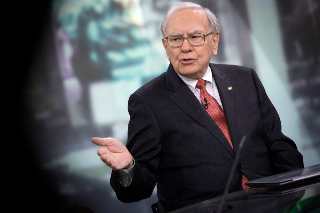 Warren Buffett barely makes more than average Berkshire workers