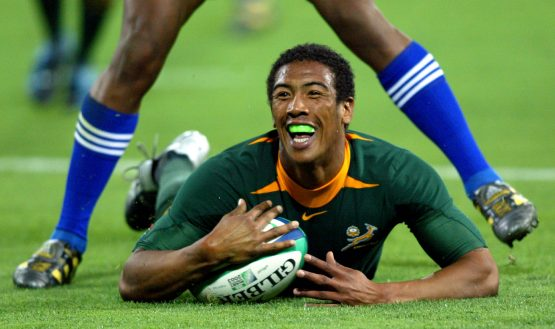 Ashwin Willemse celebrates as he scores during their 2003 Rugby World Cup Pool C match against Samoa at Lang Park in Brisbane, November 1 2003. Picture: Reuters