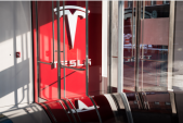 Tesla to lose supply management VP in latest exit