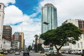 Zimbabwe hikes overnight lending rate to 50%