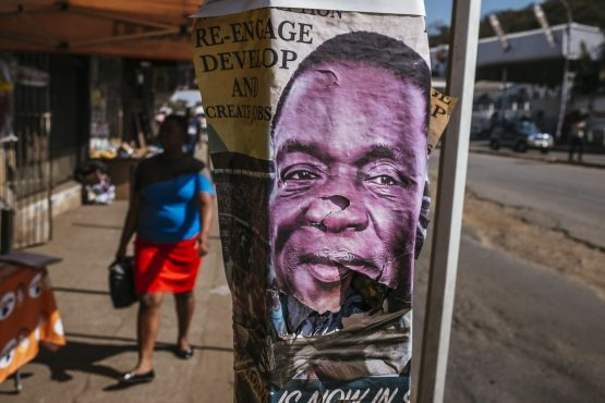 An election poster for Emmerson Mnangagwa sits on a lampost in Harare, Zimbabwe. Image: Waldo Swiegers/Bloomberg