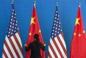 Trump to sign trade deal with China while leaving tariffs in place