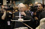 Wat kan verwag word van Berkshire Hathaway se jaarvergadering?