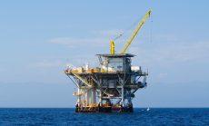 Geopolitics fear, trade war drives up oil price