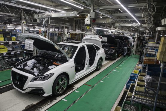 Restrictions on the sale of original branded parts and components to independent service providers may be lifted. Image: Shiho Fukada, Bloomberg