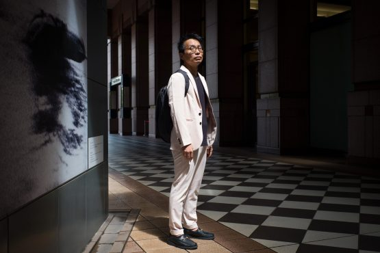 Yasushi Takagi is a 44-year-old financial writer who started forex trading in his early 30s to supplement his earnings. Image: Kentaro Takahashi, Bloomberg