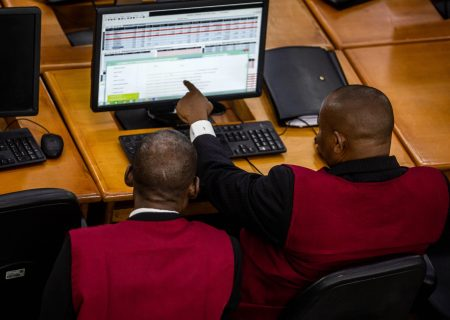 Nigerian brokers to start commodities trading as stocks plunge