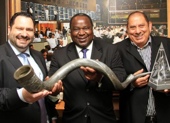 Michael Georgiou (CEO of Accelerate), Tito Mboweni, (former chairman of Accelerate and the current minister of finance) and Nic Georgiou at the listing of Accelerate on the JSE. Image: Waldo Swiegers, Bloomberg