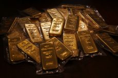Gold parades haven status with rally to highest close since '13