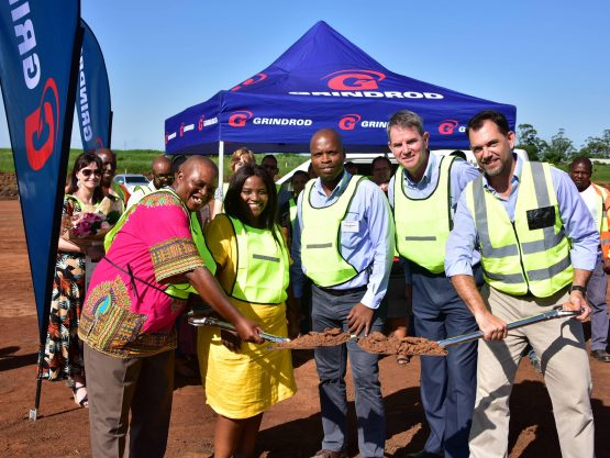 Pictured at the sod turning ceremony on Friday (from left): Mkhambathini Mayor Eric Ngcongo and councillor Nonhlanhla Maphanga, Grindrod CFO Xolani Mbambo and CEO Andrew Waller, and Grindrod Automotive GM Grant Bahlmann. Image: Supplied