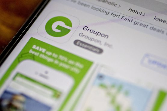 The Groupon Inc. application is seen in the App Store on Apple. Image: Andrew Harrer, Bloomberg