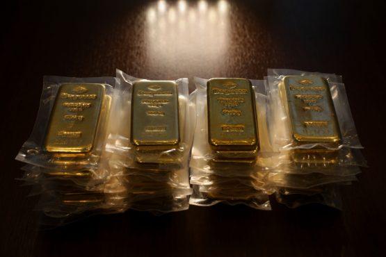 One kilogram bars of gold. Image: Luke MacGregor, Bloomberg