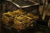 World's best-performing gold stock doesn't operate any mines