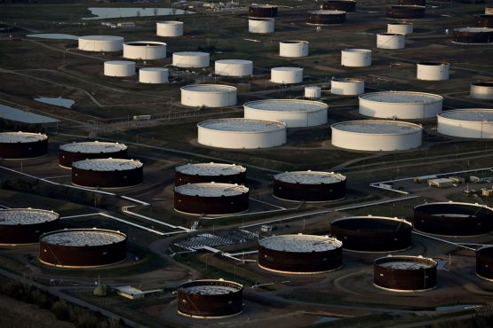 Oil prices drop for second consecutive day