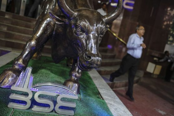 A statue of a bull is displayed at the Bombay Stock Exchange (BSE) building in Mumbai, India. Image: Bloomberg