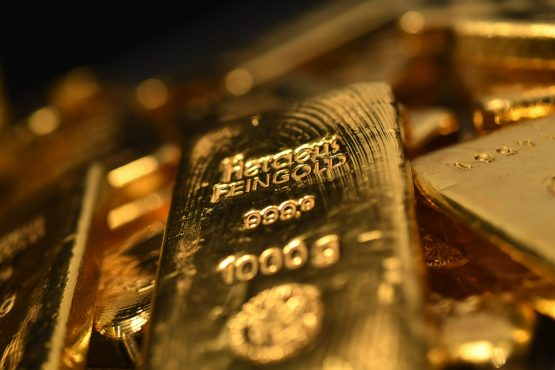 Gold heads for third monthly drop, longest run since 2019. Image: Bloomberg