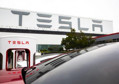 Tesla report shows minorities make up 60% of US workforce