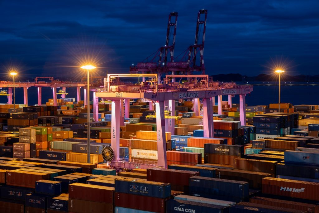 US home shopping boom buoys shipping lines half a world away