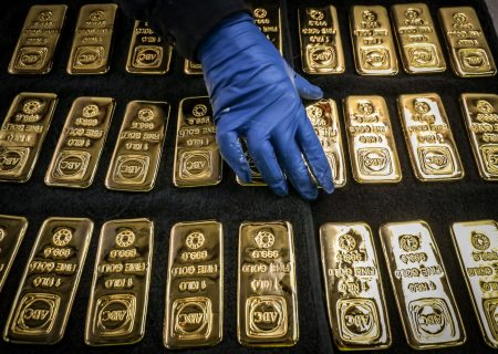 Gold may hit record before year-end