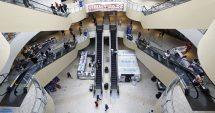 Verbruikers begin weer hul beursies in winkelsentrums oopmaak