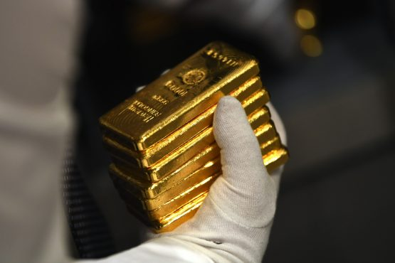 Gold ETFs provide an easy way for investors to buy and own physical gold without taking delivery of the metal itself. Image: Andreas Gebert, Bloomberg