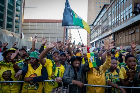 Enthusiastic ANC supportets celebrate a recent election victory. Image: EFE-EPA/Yeshiel Panchia