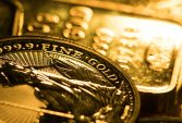Gold extends biggest loss in two months on rising dollar, yields