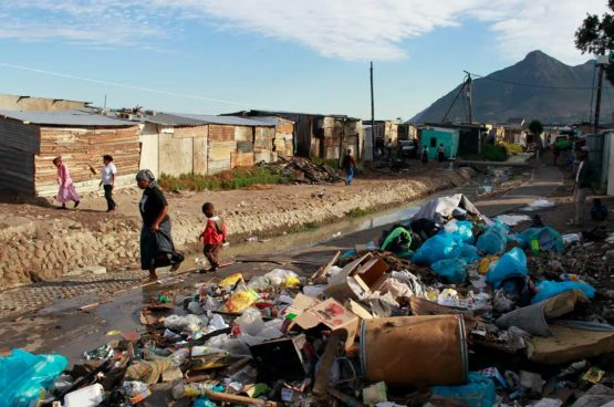 Failures by municipalities to do their work are forcing many residents to take matters into their own hands. Image: EFE-EPA/Nic Bothma