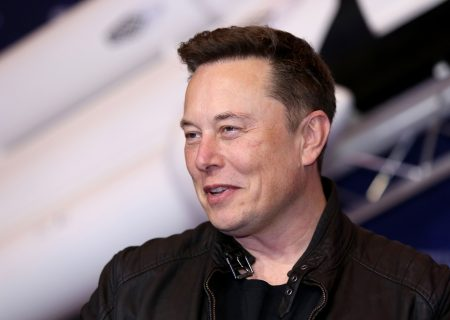 Elon Musk causes panic rush for exit door by bitcoin newcomers