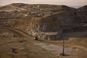 AngloGold Ashanti sounds cautious note on deals